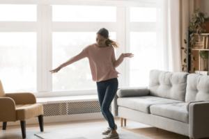 家でダンスを踊ってみましょう